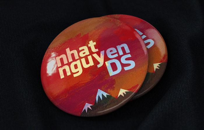 Free Pin Badge Mockup